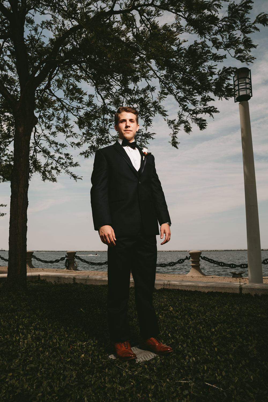 modern-cleveland-wedding-photographers-photojournalistic-8.jpg