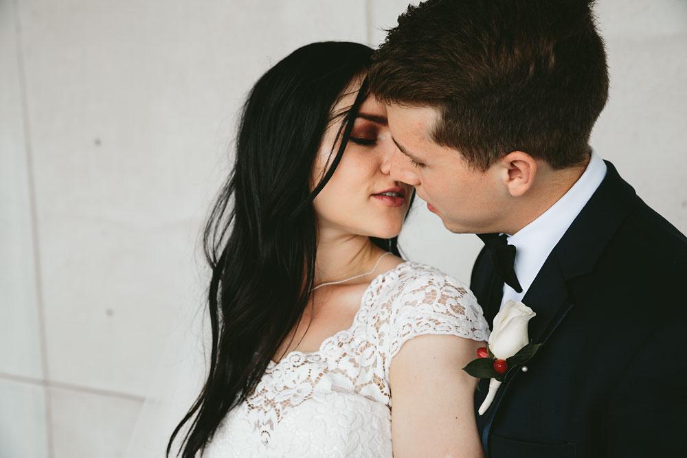 modern-cleveland-wedding-photographers-photojournalistic-12.jpg