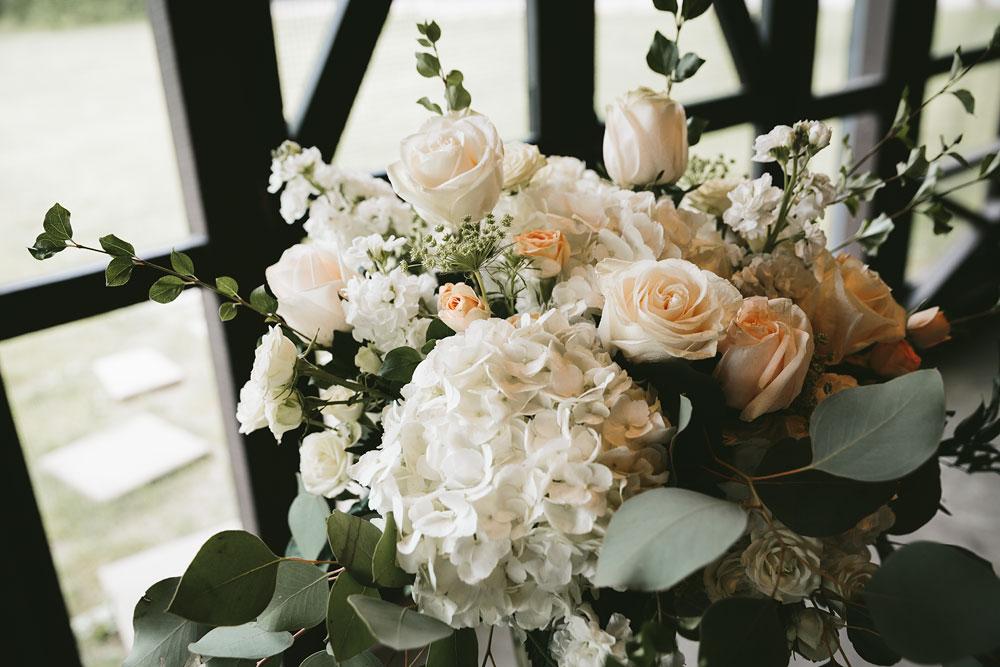 cleveland-wedding-photographers-cuyahoga-valley-national-park-happy-days-lodge-18.jpg