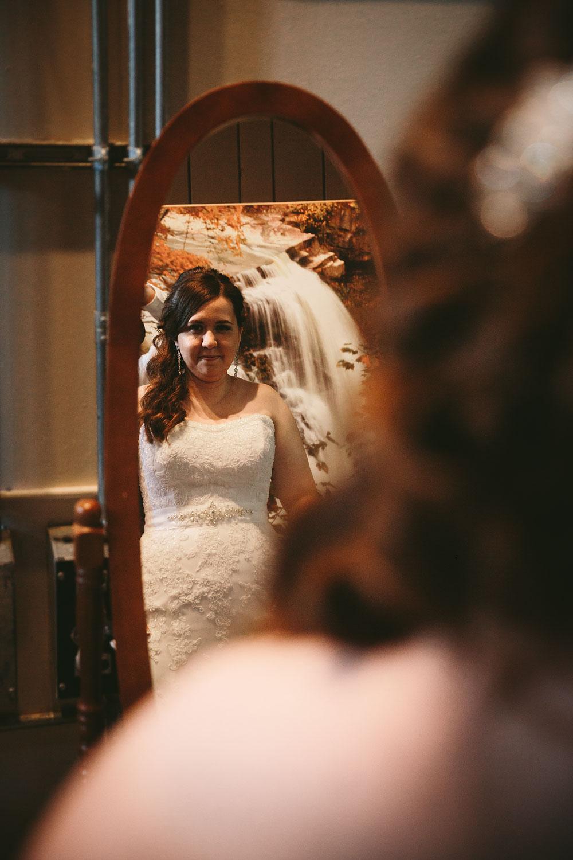 cleveland-wedding-photographers-cuyahoga-valley-national-park-happy-days-lodge-21.jpg