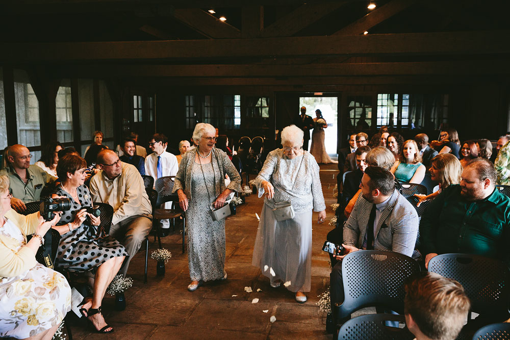 cleveland-wedding-photographers-cuyahoga-valley-national-park-happy-days-lodge-25.jpg