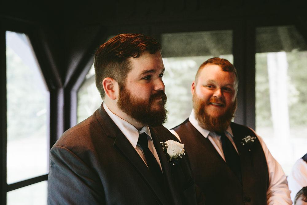 cleveland-wedding-photographers-cuyahoga-valley-national-park-happy-days-lodge-28.jpg