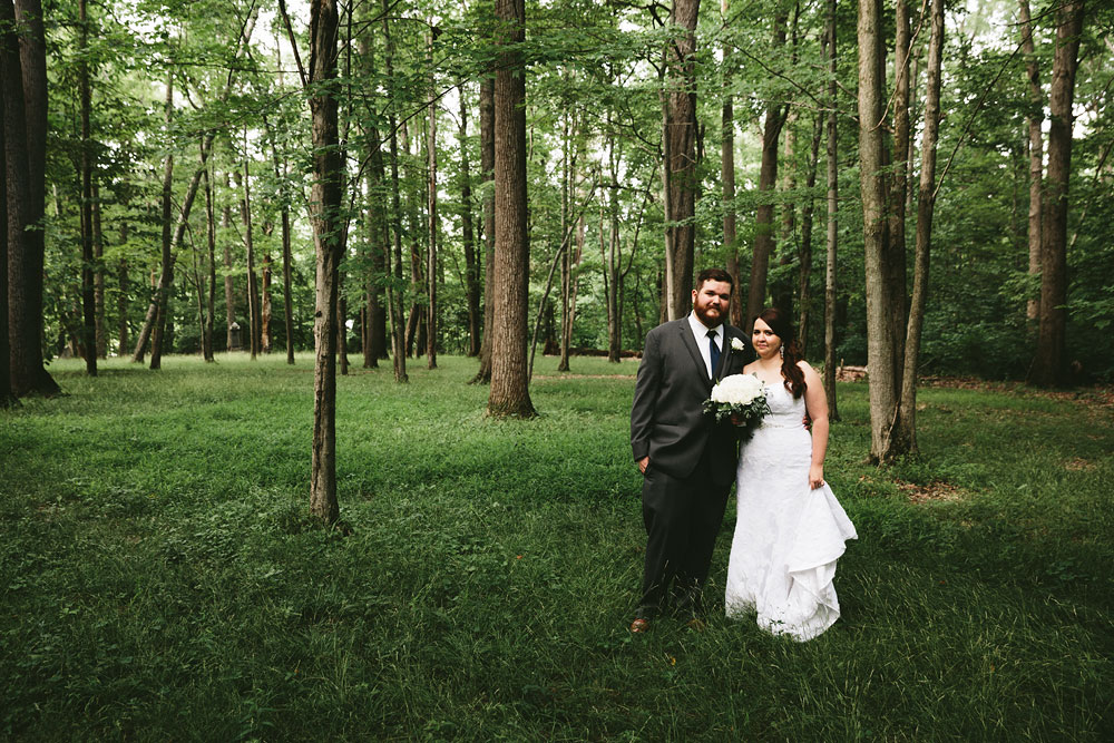 cleveland-wedding-photographers-cuyahoga-valley-national-park-happy-days-lodge-36.jpg