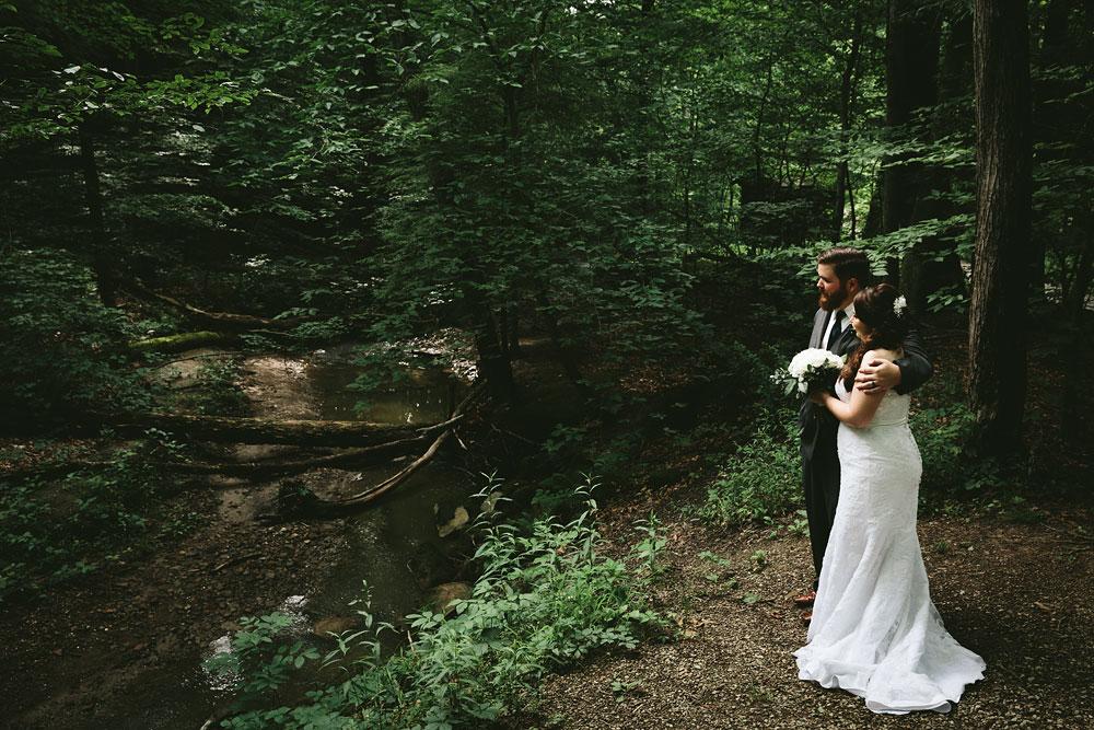 cleveland-wedding-photographers-cuyahoga-valley-national-park-happy-days-lodge-40.jpg