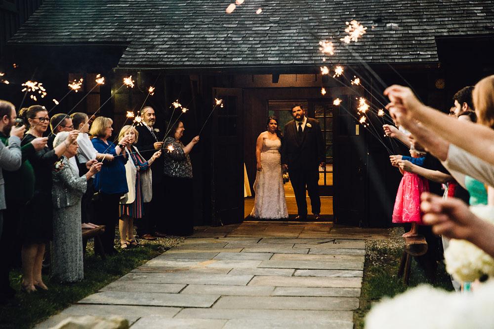 cleveland-wedding-photographers-cuyahoga-valley-national-park-happy-days-lodge-67.jpg