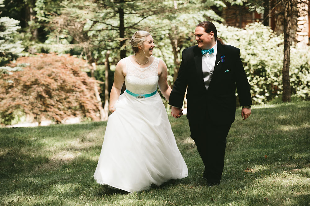 cleveland-wedding-photographers-landolls-mohican-castle-loudonville-ohio-columbus-44.jpg