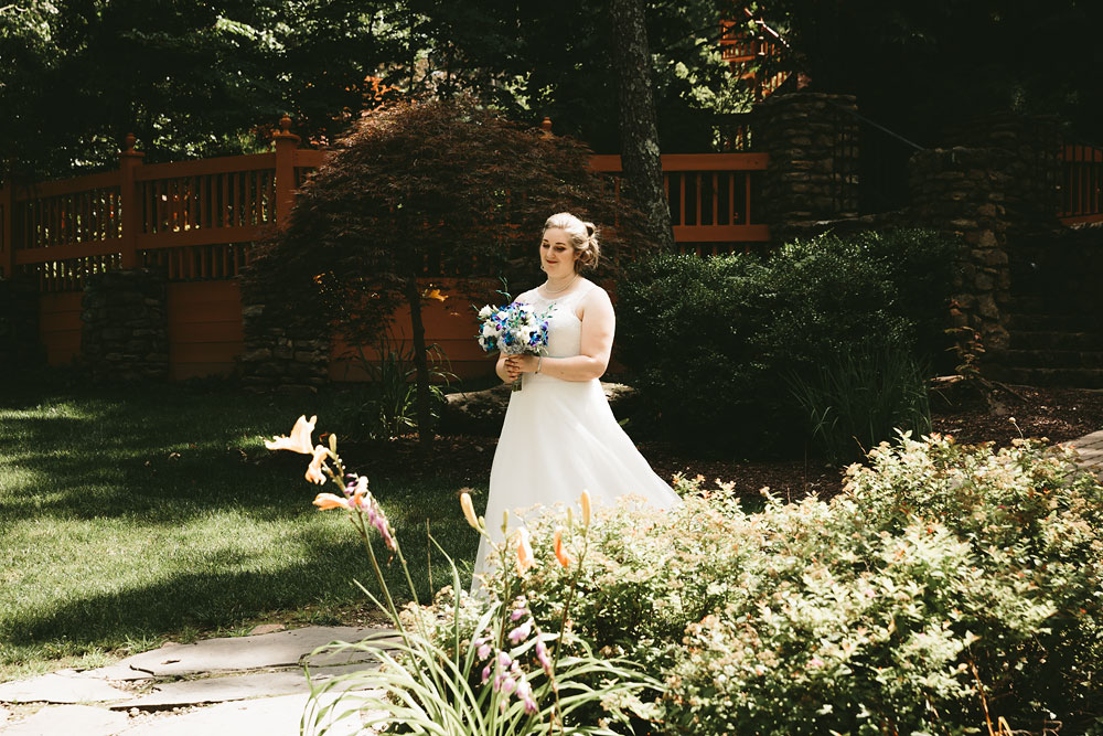 cleveland-wedding-photographers-landolls-mohican-castle-loudonville-ohio-columbus-77.jpg