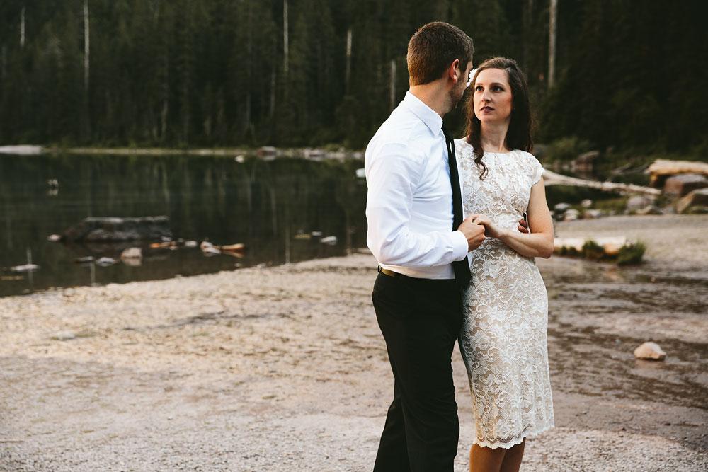 destination-mountain-wedding-photographers-glacier-national-park-28.jpg