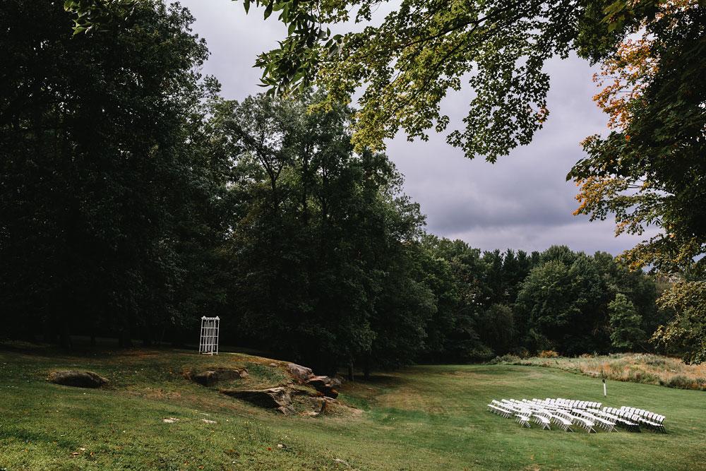 cleveland-wedding-photographers-rustic-outdoor-vintage-farm-8.jpg