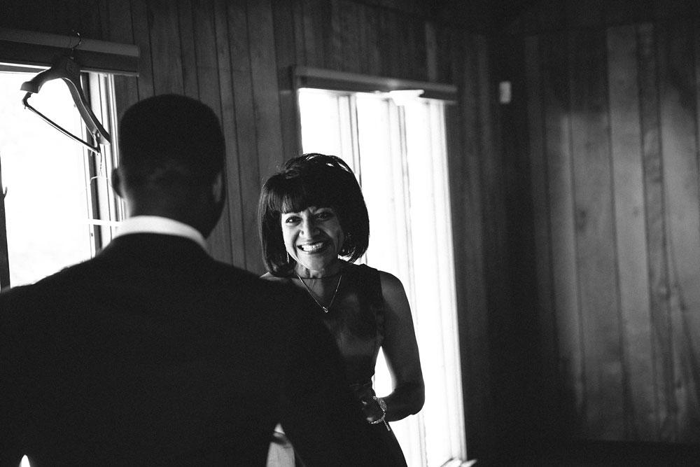 cleveland-wedding-photographers-rustic-outdoor-vintage-farm-40.jpg