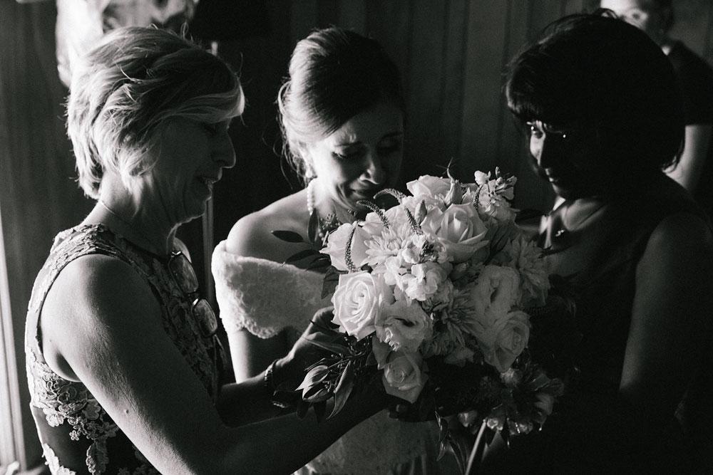 cleveland-wedding-photographers-rustic-outdoor-vintage-farm-54.jpg