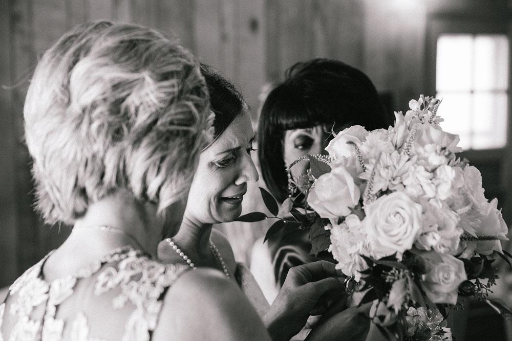 cleveland-wedding-photographers-rustic-outdoor-vintage-farm-55.jpg