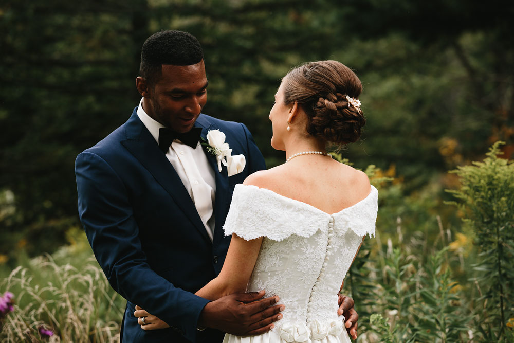 cleveland-wedding-photographers-rustic-outdoor-vintage-farm-66.jpg