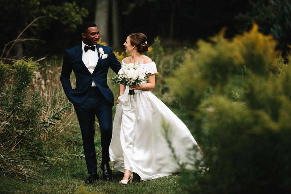cleveland-wedding-photographers-rustic-outdoor-vintage-farm-76.jpg