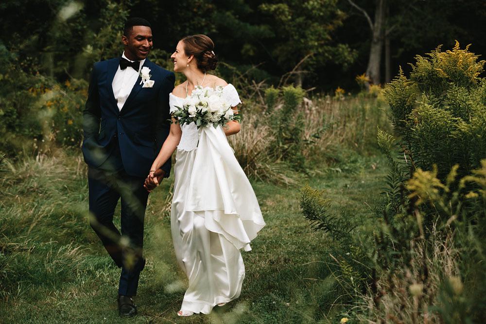cleveland-wedding-photographers-rustic-outdoor-vintage-farm-77.jpg