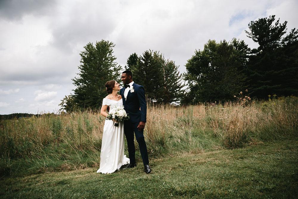 cleveland-wedding-photographers-rustic-outdoor-vintage-farm-81.jpg