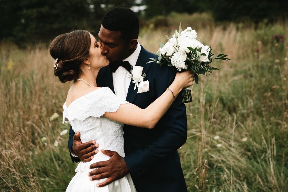 cleveland-wedding-photographers-rustic-outdoor-vintage-farm-82.jpg