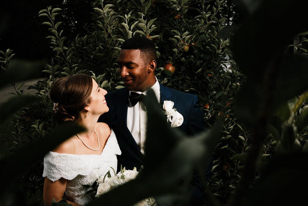 cleveland-wedding-photographers-rustic-outdoor-vintage-farm-93.jpg