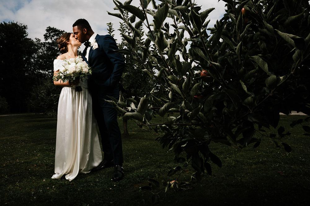 cleveland-wedding-photographers-rustic-outdoor-vintage-farm-92.jpg