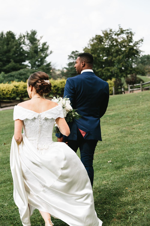 cleveland-wedding-photographers-rustic-outdoor-vintage-farm-105.jpg