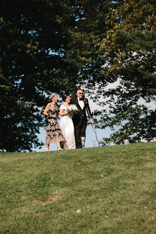 cleveland-wedding-photographers-rustic-outdoor-vintage-farm-117.jpg