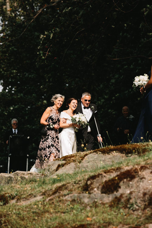 cleveland-wedding-photographers-rustic-outdoor-vintage-farm-119.jpg