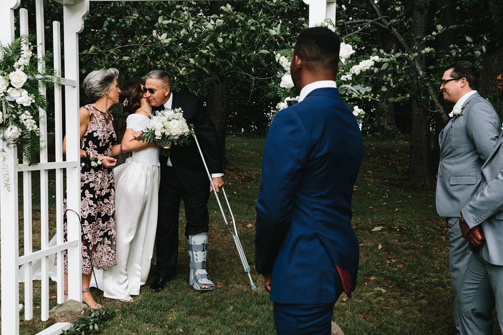 cleveland-wedding-photographers-rustic-outdoor-vintage-farm-122.jpg