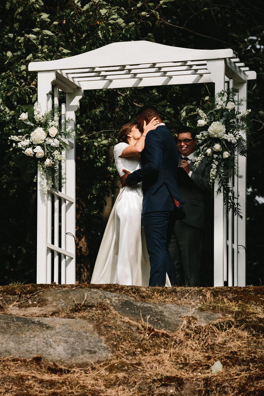 cleveland-wedding-photographers-rustic-outdoor-vintage-farm-128.jpg