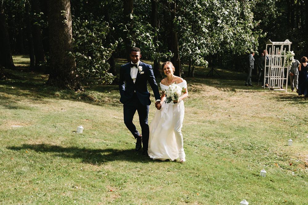 cleveland-wedding-photographers-rustic-outdoor-vintage-farm-129.jpg