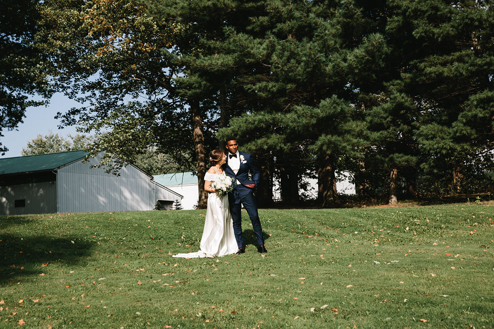 cleveland-wedding-photographers-rustic-outdoor-vintage-farm-130.jpg