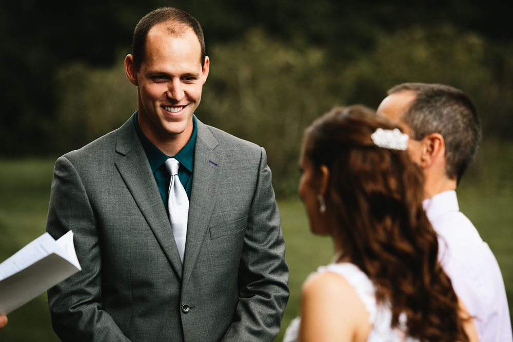 cleveland-wedding-photographers-mohican-gardens-greenhouse-outdoor-vintage-wedding-14.jpg