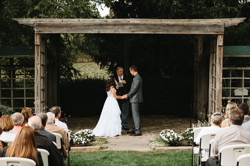 cleveland-wedding-photographers-mohican-gardens-greenhouse-outdoor-vintage-wedding-15.jpg