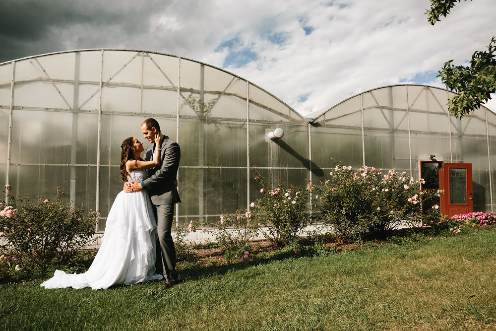 cleveland-wedding-photographers-mohican-gardens-greenhouse-outdoor-vintage-wedding-22.jpg