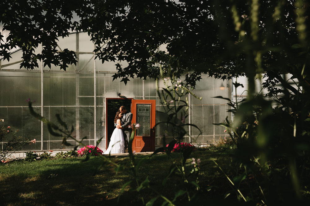 cleveland-wedding-photographers-mohican-gardens-greenhouse-outdoor-vintage-wedding-24.jpg