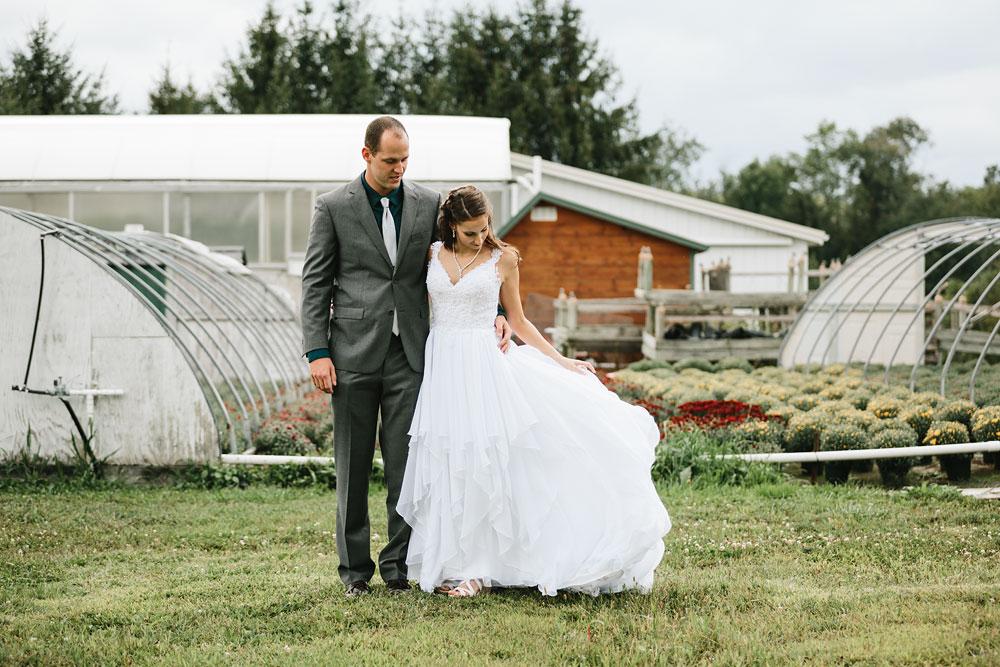 cleveland-wedding-photographers-mohican-gardens-greenhouse-outdoor-vintage-wedding-40.jpg
