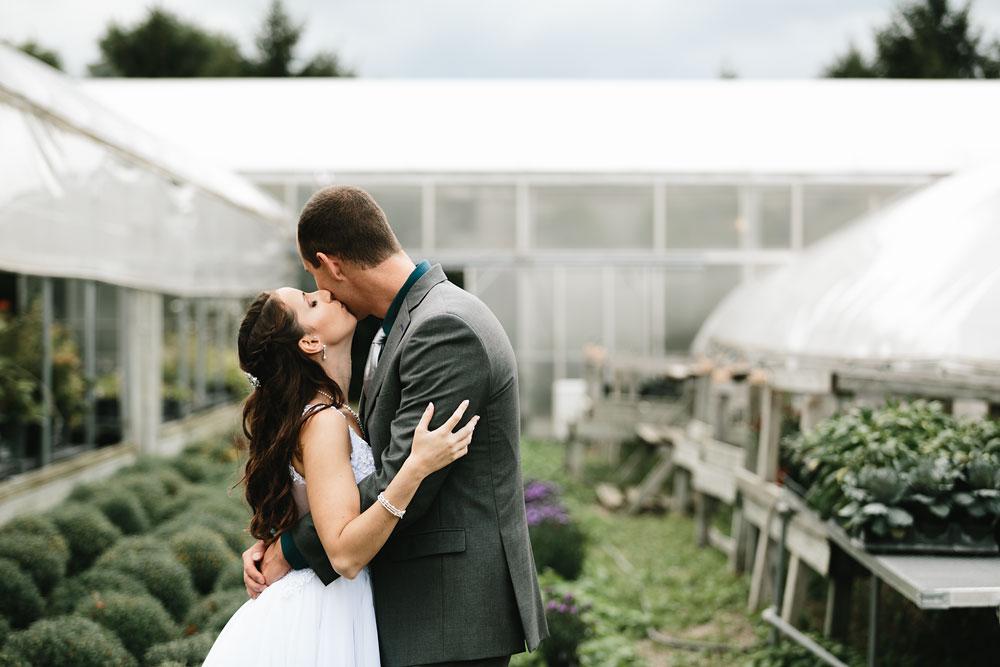 cleveland-wedding-photographers-mohican-gardens-greenhouse-outdoor-vintage-wedding-43.jpg