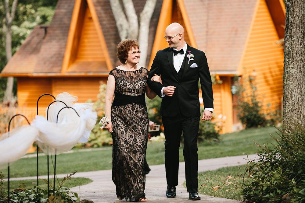 cleveland-wedding-photographers-landolls-mohican-castle-central-ohio-28.jpg