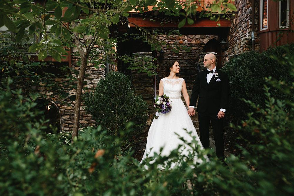 cleveland-wedding-photographers-landolls-mohican-castle-central-ohio-57.jpg