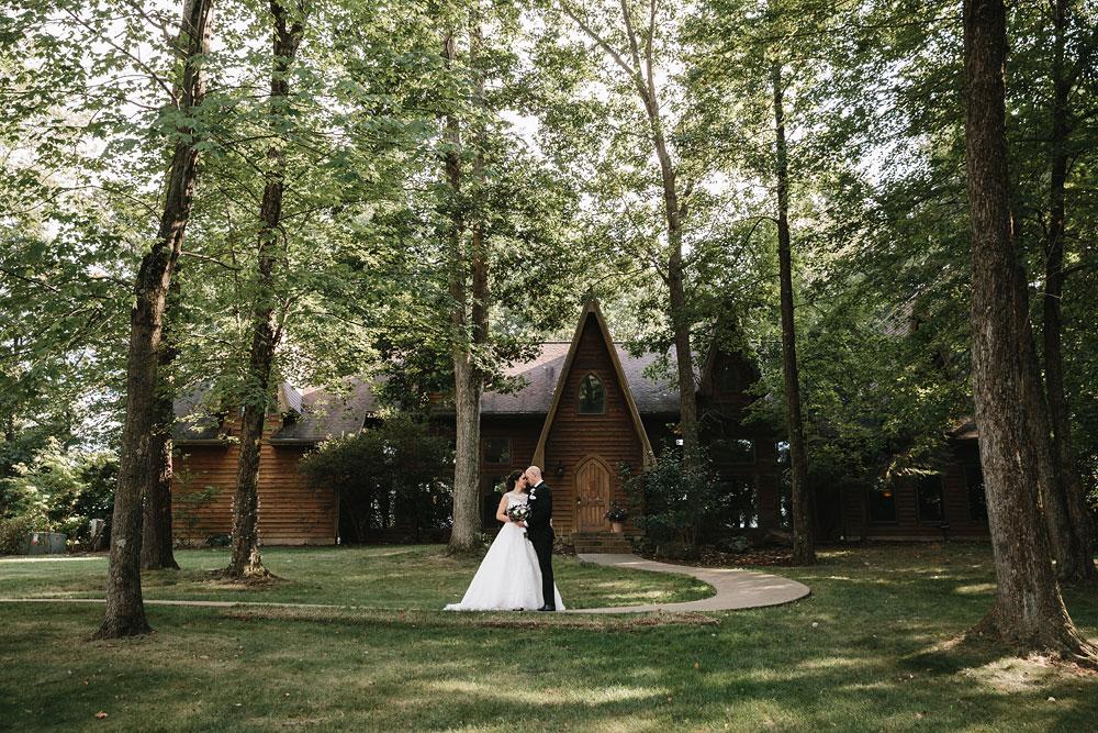 cleveland-wedding-photographers-landolls-mohican-castle-central-ohio-62.jpg