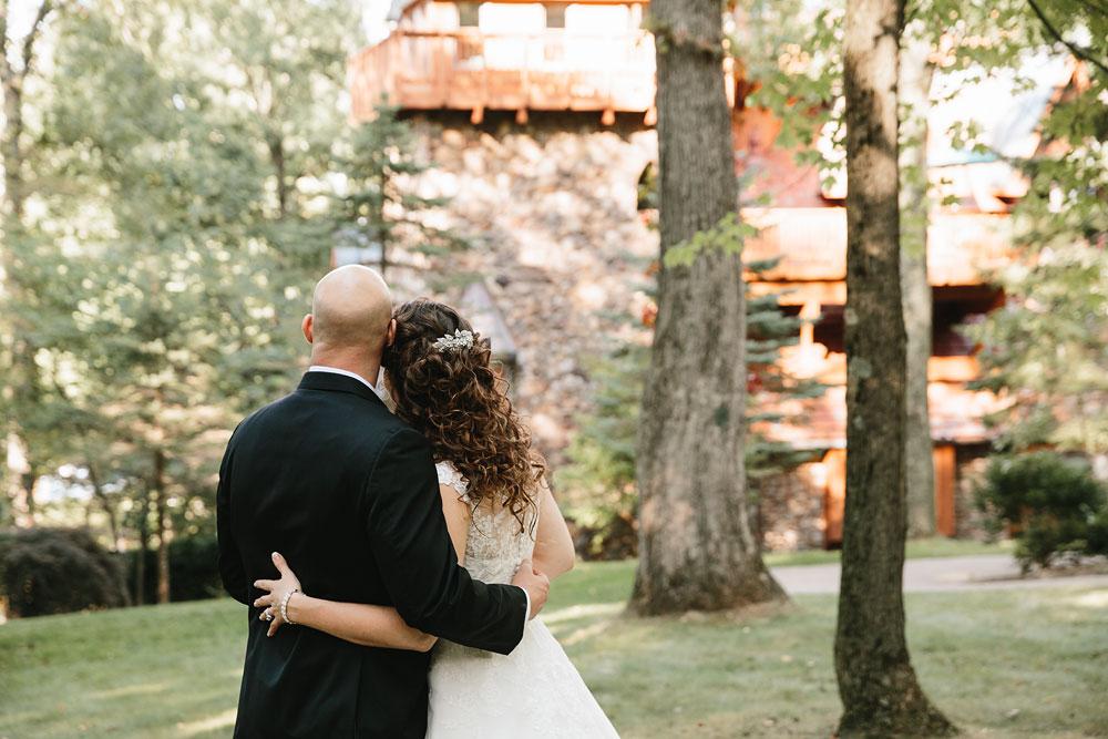 cleveland-wedding-photographers-landolls-mohican-castle-central-ohio-64.jpg