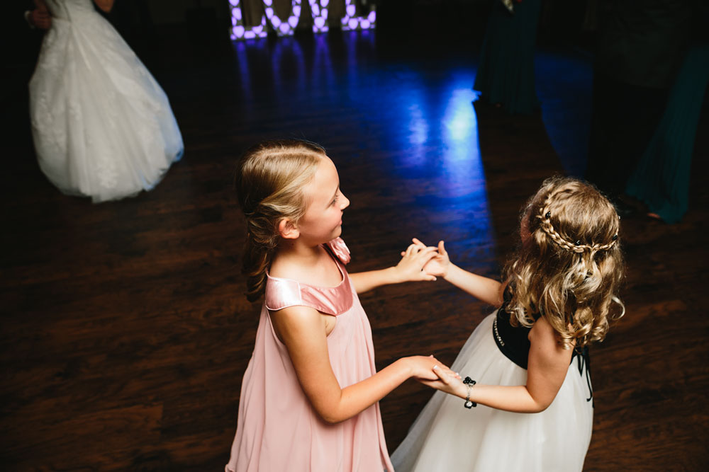cleveland-wedding-photographers-landolls-mohican-castle-central-ohio-83.jpg