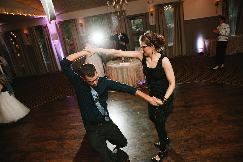 cleveland-wedding-photographers-landolls-mohican-castle-central-ohio-84.jpg
