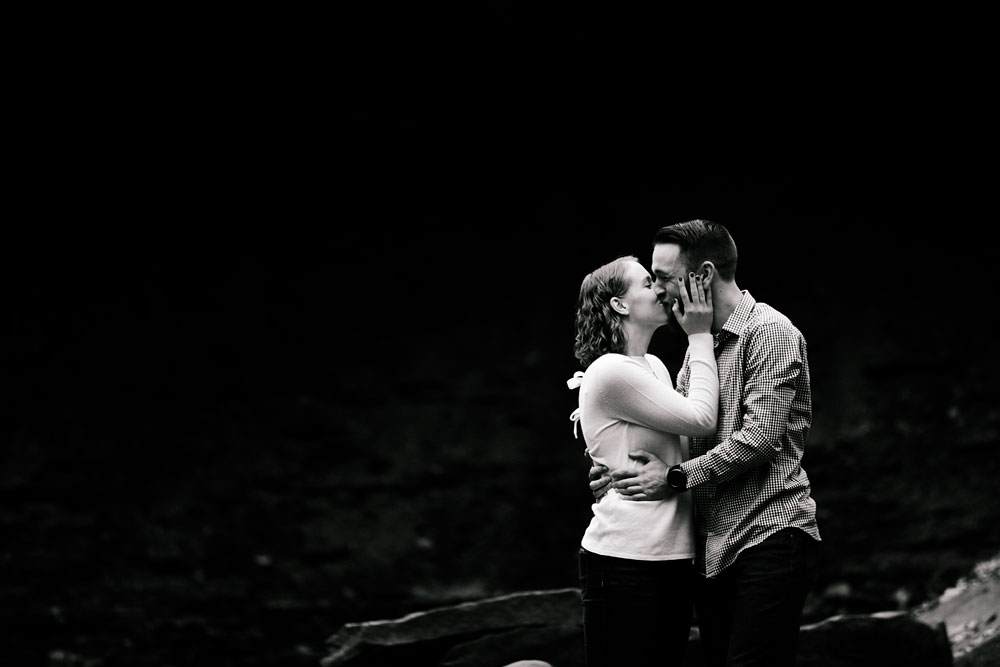 cuyahoga-valley-national-park-engagement-photography-peninsula-ohio-10.jpg