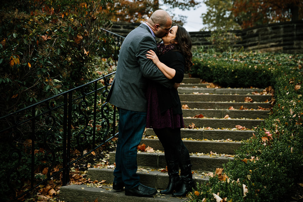 cleveland-ohio-wedding-engagement-photographers-mlk-cultural-gardens-5.jpg