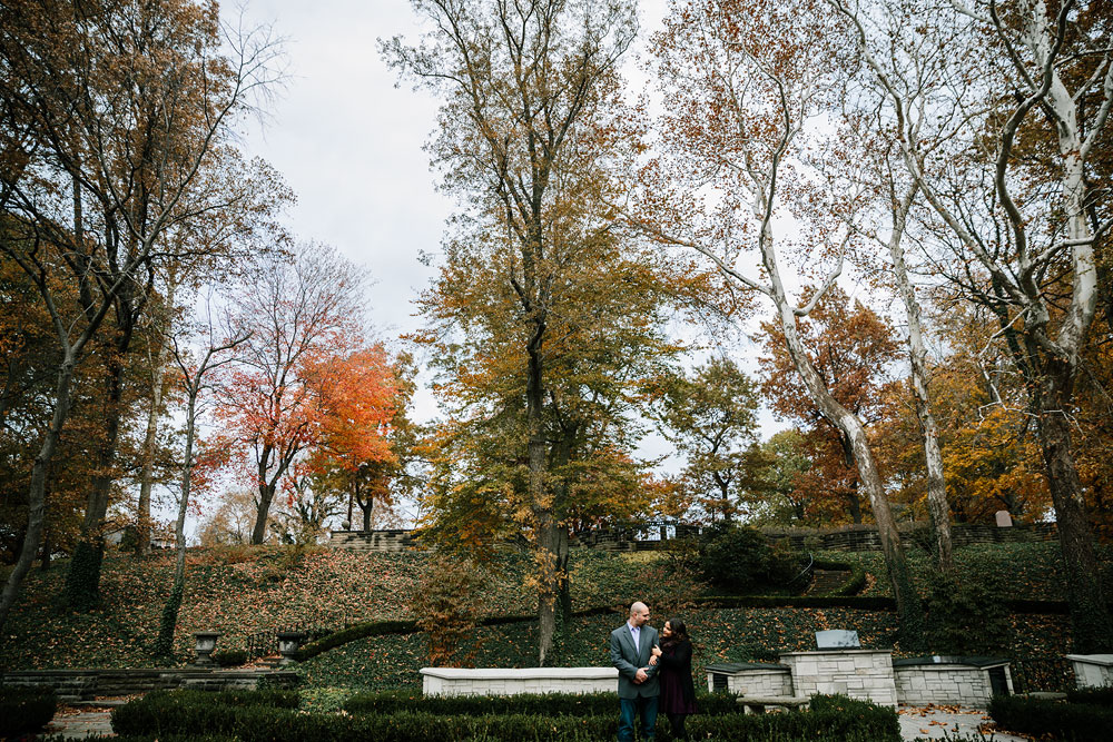 cleveland-ohio-wedding-engagement-photographers-mlk-cultural-gardens-11.jpg