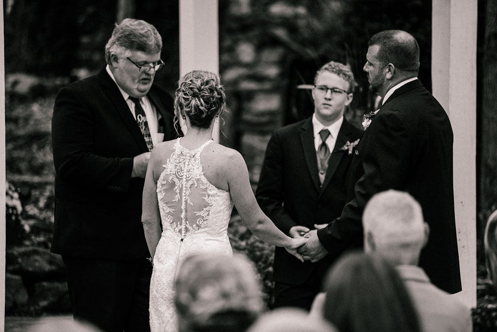 cleveland-wedding-photographer-black-and-white-photography-fine-art-photography-central-ohio-31.jpg