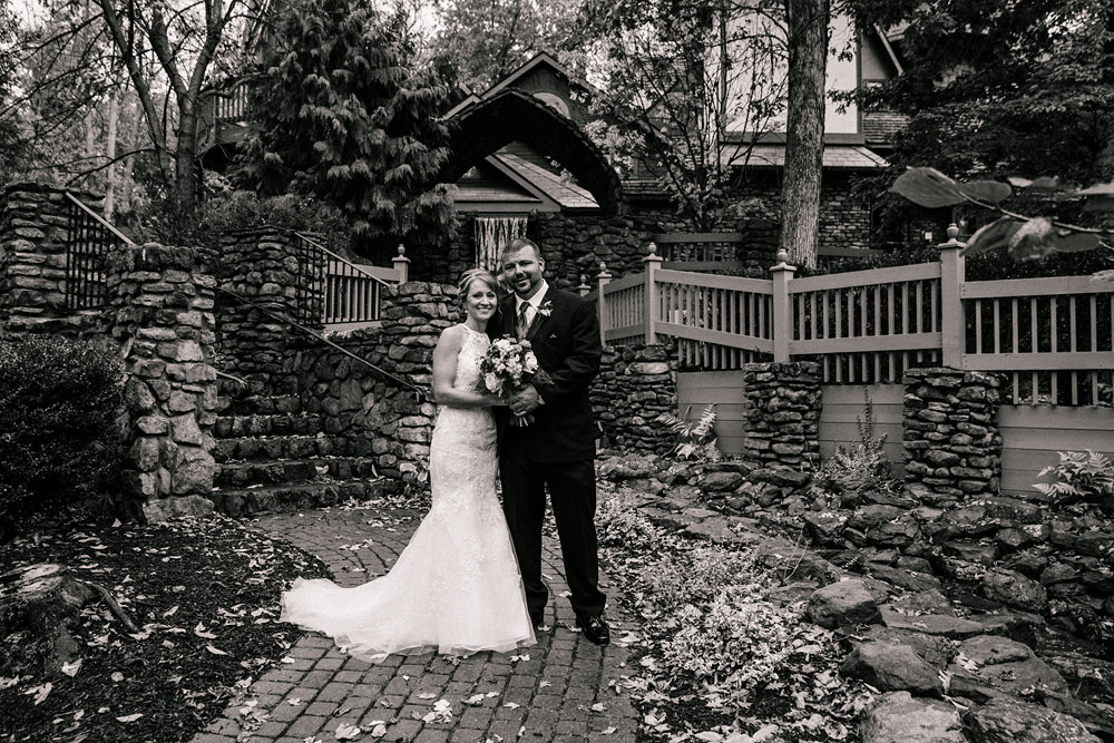 cleveland-wedding-photographer-black-and-white-photography-fine-art-photography-central-ohio-35.jpg