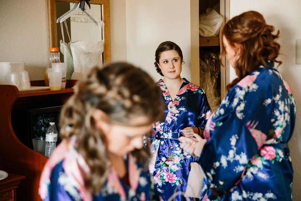 happy-days-lodge-cuyahoga-valley-national-park-wedding-photographers-peninsula-ohio-14.jpg