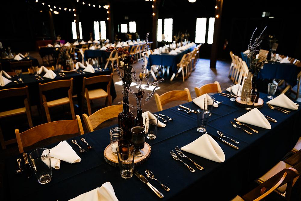 happy-days-lodge-cuyahoga-valley-national-park-wedding-photographers-peninsula-ohio-40.jpg