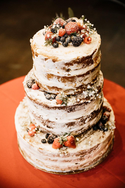 happy-days-lodge-cuyahoga-valley-national-park-wedding-photographers-peninsula-ohio-44.jpg